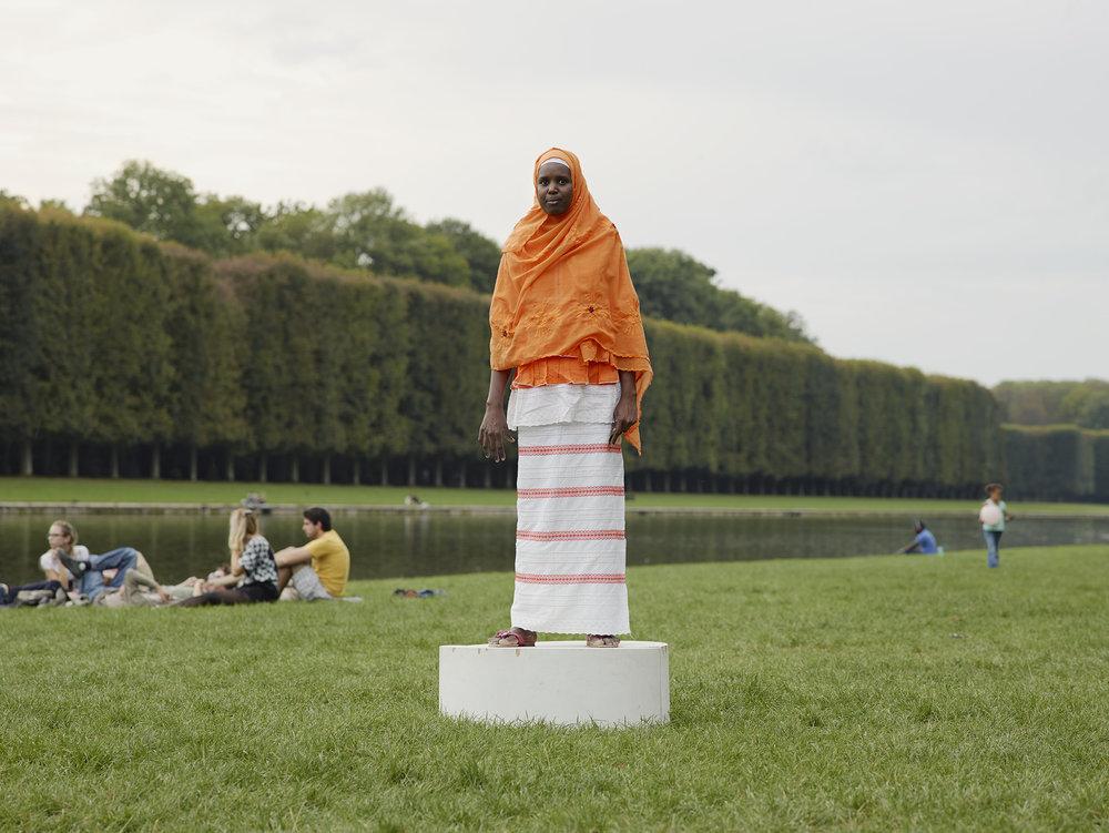 Versailles Femme au voile orange.