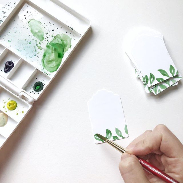 Trying to make my holiday wrapping as extra as possible with these watercolor gift tags! 🎁