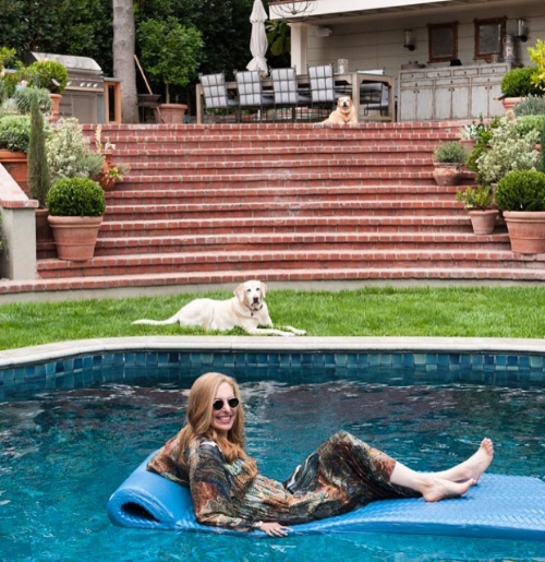 poolpickwithdogs copy.jpg