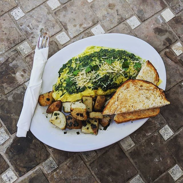 Chicken pesto #omelet is great for breakfast or lunch. It's so big it could be for both!