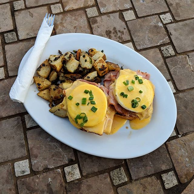 We're open on this beautiful #thanksgiving until 2pm! Come try our #benedict on a #housemade #biscuit!