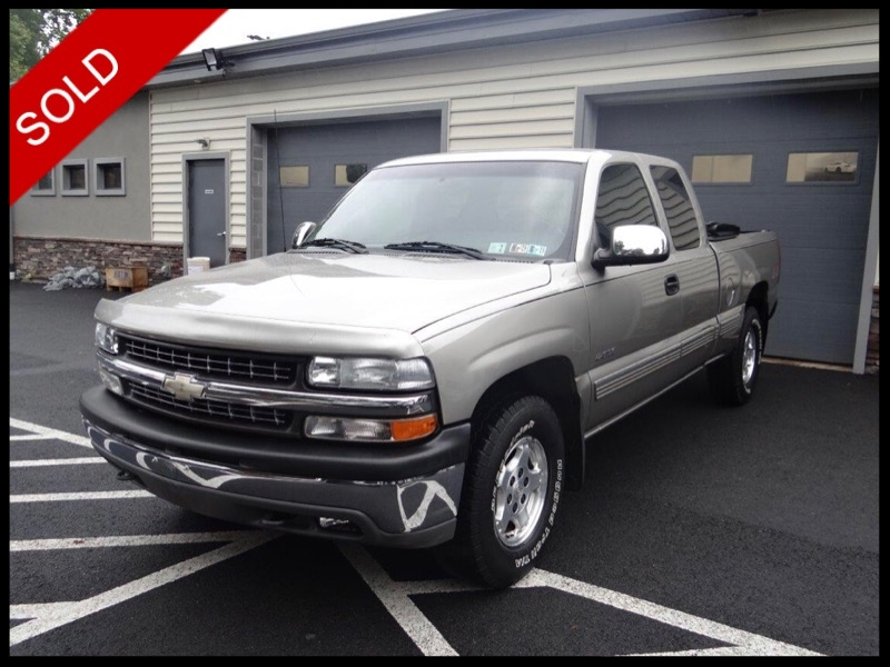 SOLD - 2001 Chevy Silverado 1500 Extended Cab 5.3LLight Pewter Metallic on GreyVIN: 1GCEK19T81E233485