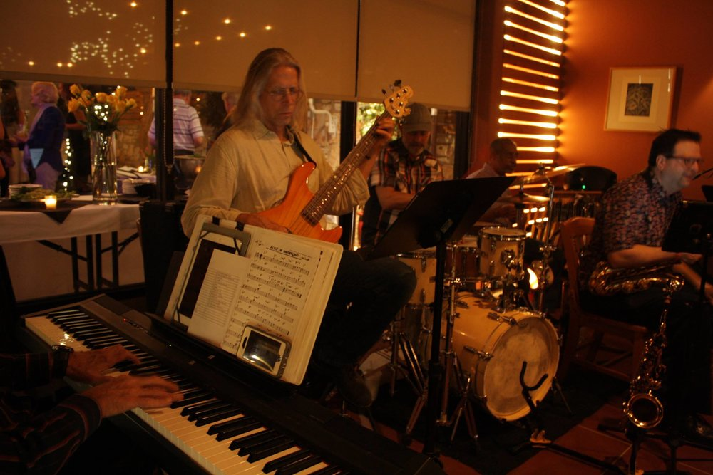Live jazz by the fabulous S7VEN, at 6 o'clock!