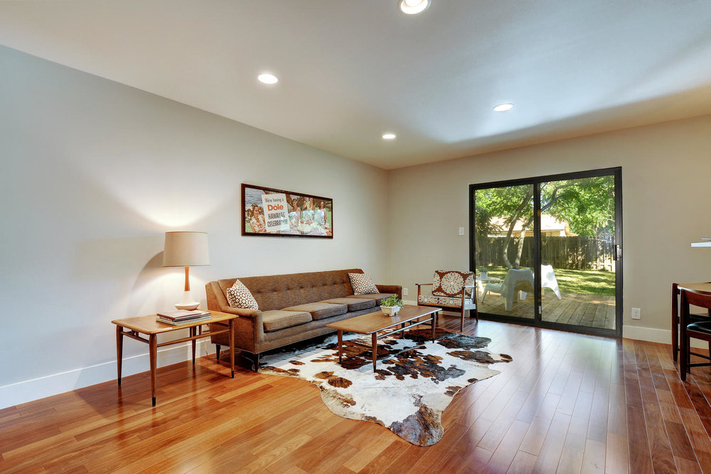 4902 Pack Saddle Pass-large-006-Living Room-1498x1000-72dpi.jpg
