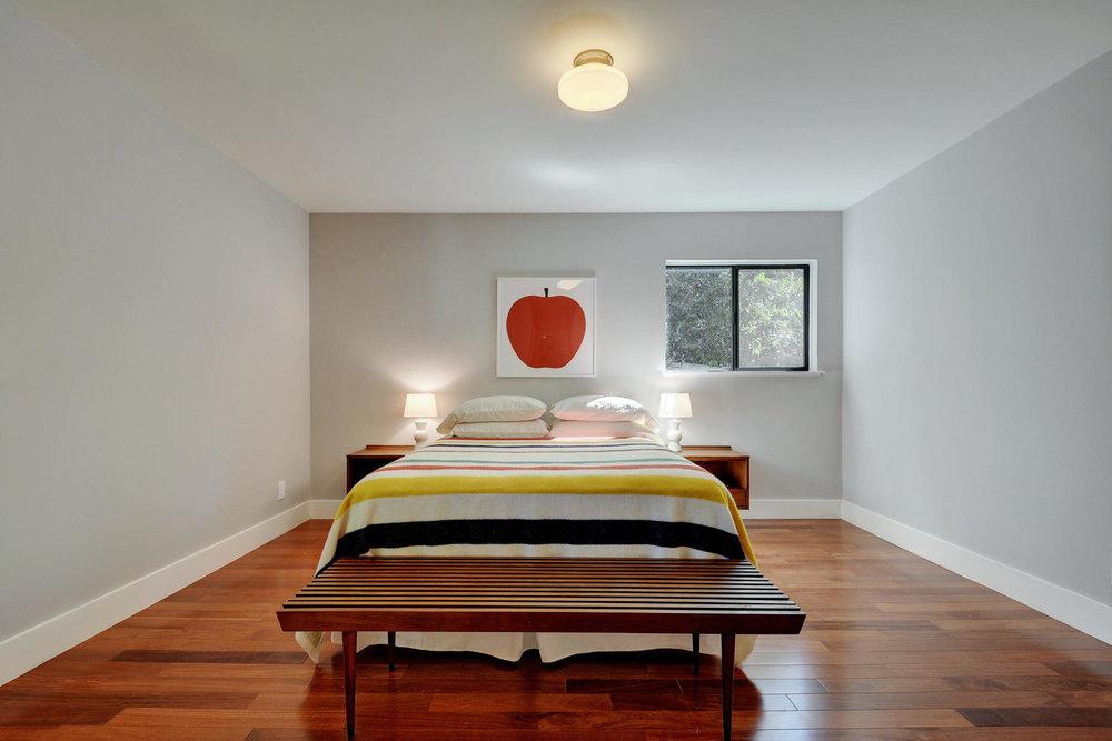 4902 Pack Saddle Pass-large-028-Master Bedroom-1499x1000-72dpi.jpg
