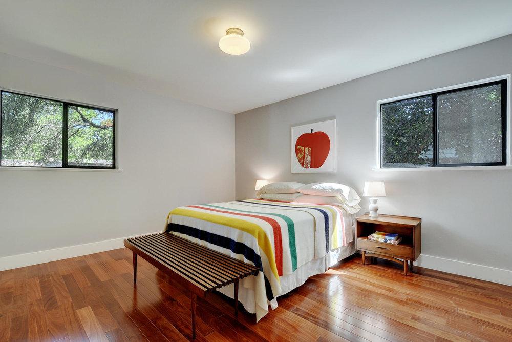 4902 Pack Saddle Pass-large-031-Master Bedroom-1499x1000-72dpi.jpg