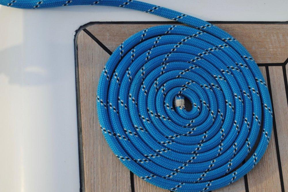 rope_coil_spiral_blue_nautical_marine_gear_equipment-484244.jpg!d.jpeg