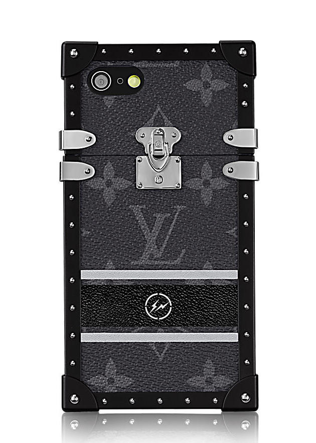 louis-vuitton-eye-trunk-for-iphone-7-monogram-eclipse-flash-small-leather-goods--M62613_PM2_Front view.jpg