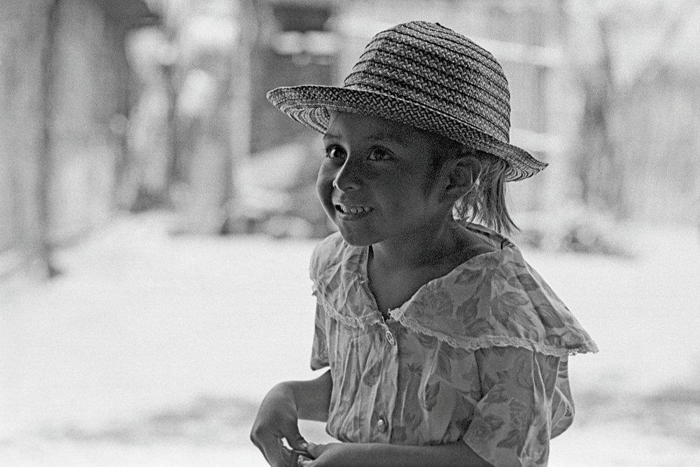 48_MEXICO_GIRL_PLANT_3_P_v1.jpg