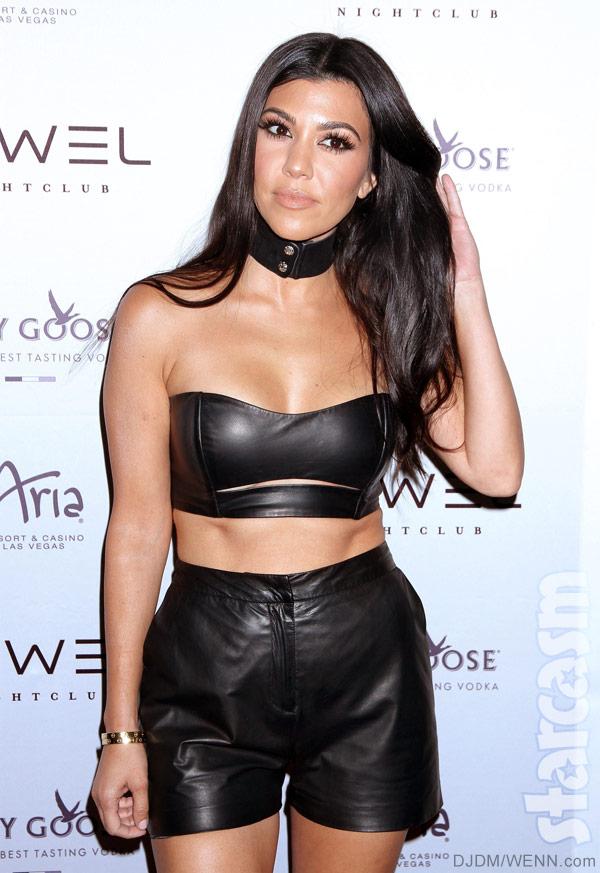 Kourtney_Kardashian_sexy.jpg