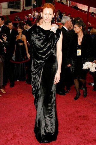 Tilda Swinton Outfit 2010.jpg