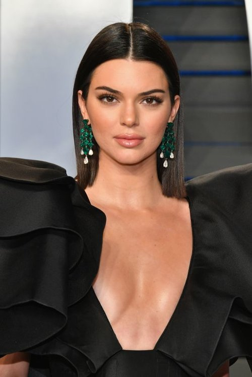kendall-jenner-at-2018-vanity-fair-oscar-party-in-beverly-hills-03-04-2018-9_thumbnail.jpg