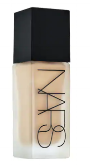 Perfect mattifying, high coverage, buildable foundation.