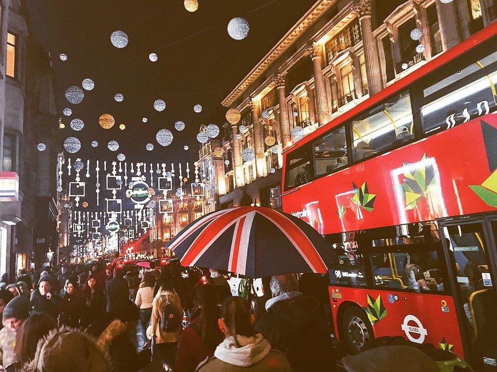 Oxford Street Photo: Victoria Tsani: click