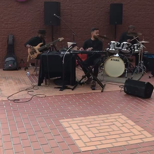 Always a privilege to play with some of the most talented musicians!! Many more to come!  Thank you to @univareacdc for having us perform at your 20th anniversary Gala!  Bass 🎸 @notori_juss 🥁: @pcdarkvader