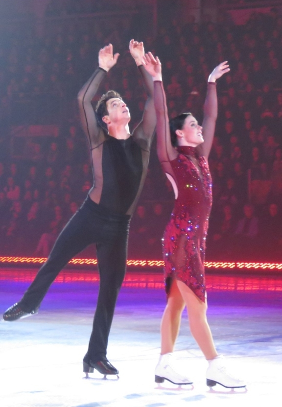 """Tessa Virtue and Scott Moir perform """"Roxanne"""""""