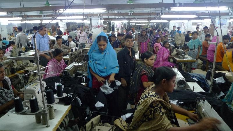40$ par mois - C'est le salaire moyen des ouvriers du textile au Bangladesh.