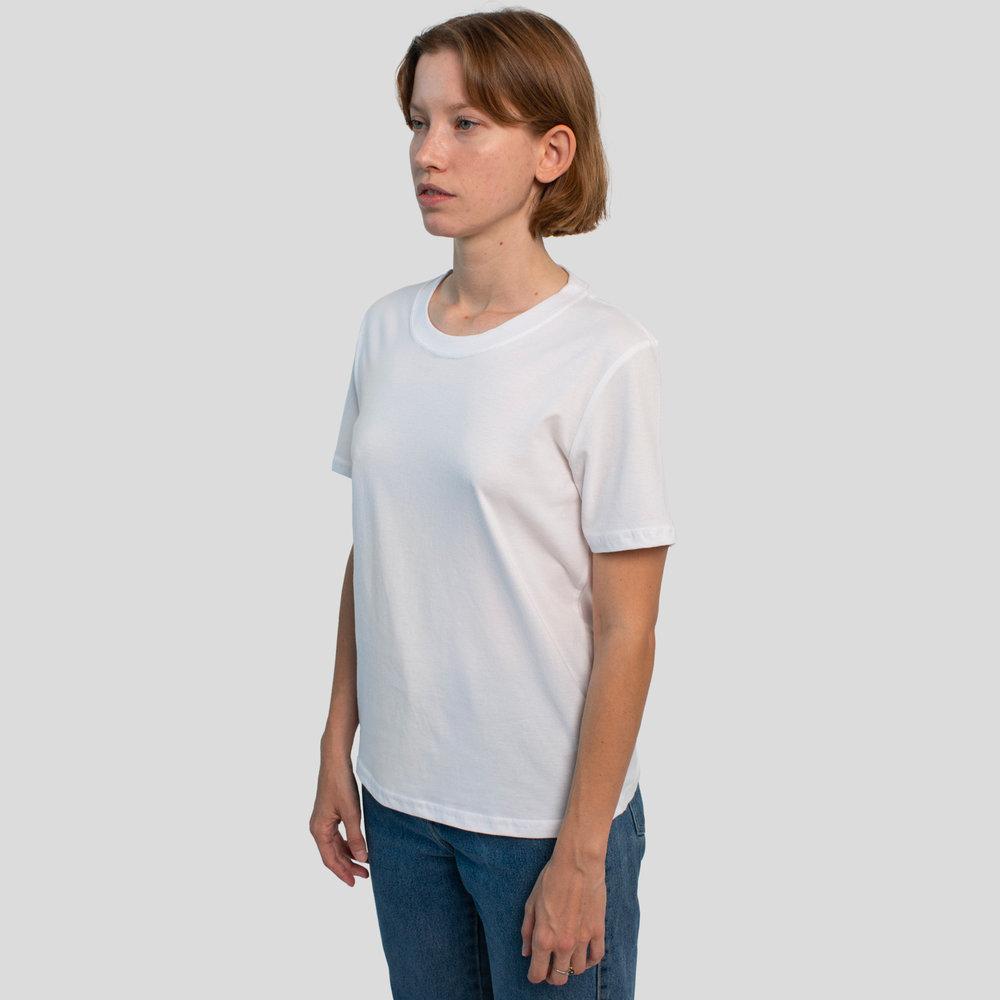 T-shirt-classique-femme-blanc-side.jpg