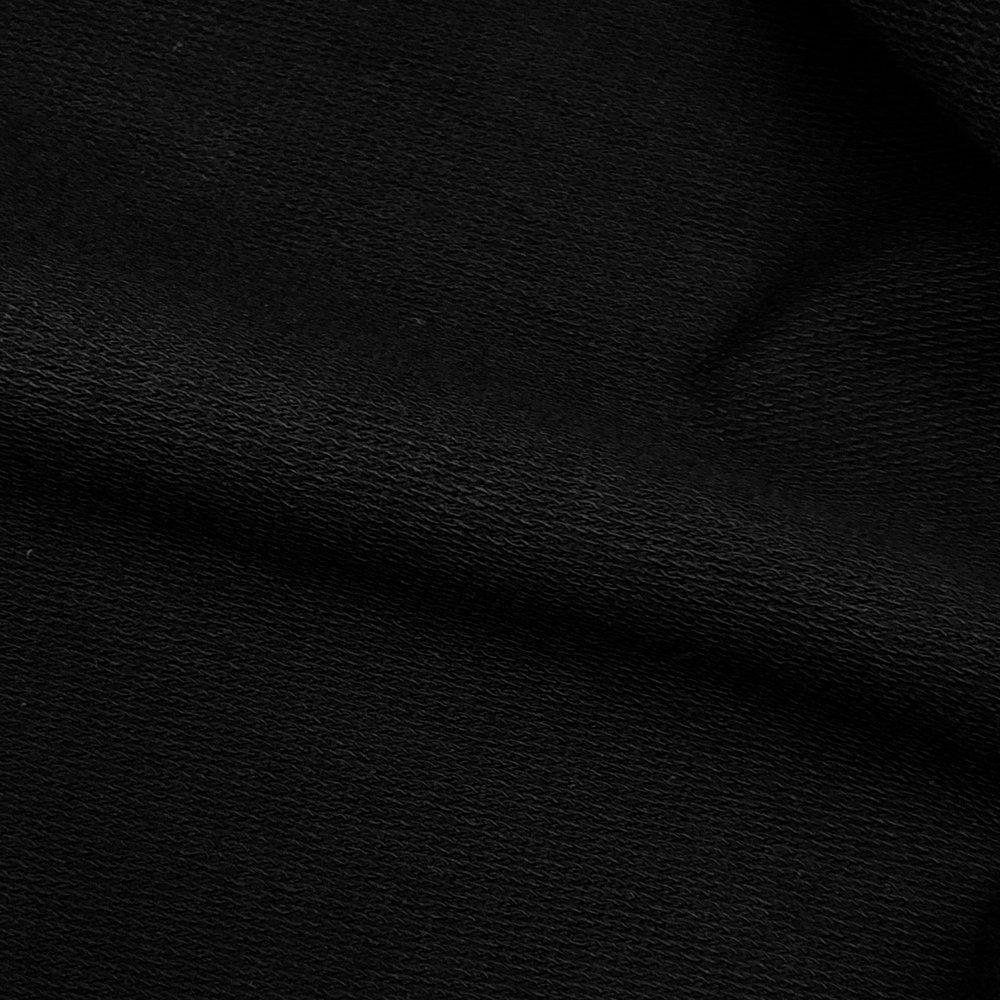 - Texture intérieure finement bouclée pour un confort incomparable.