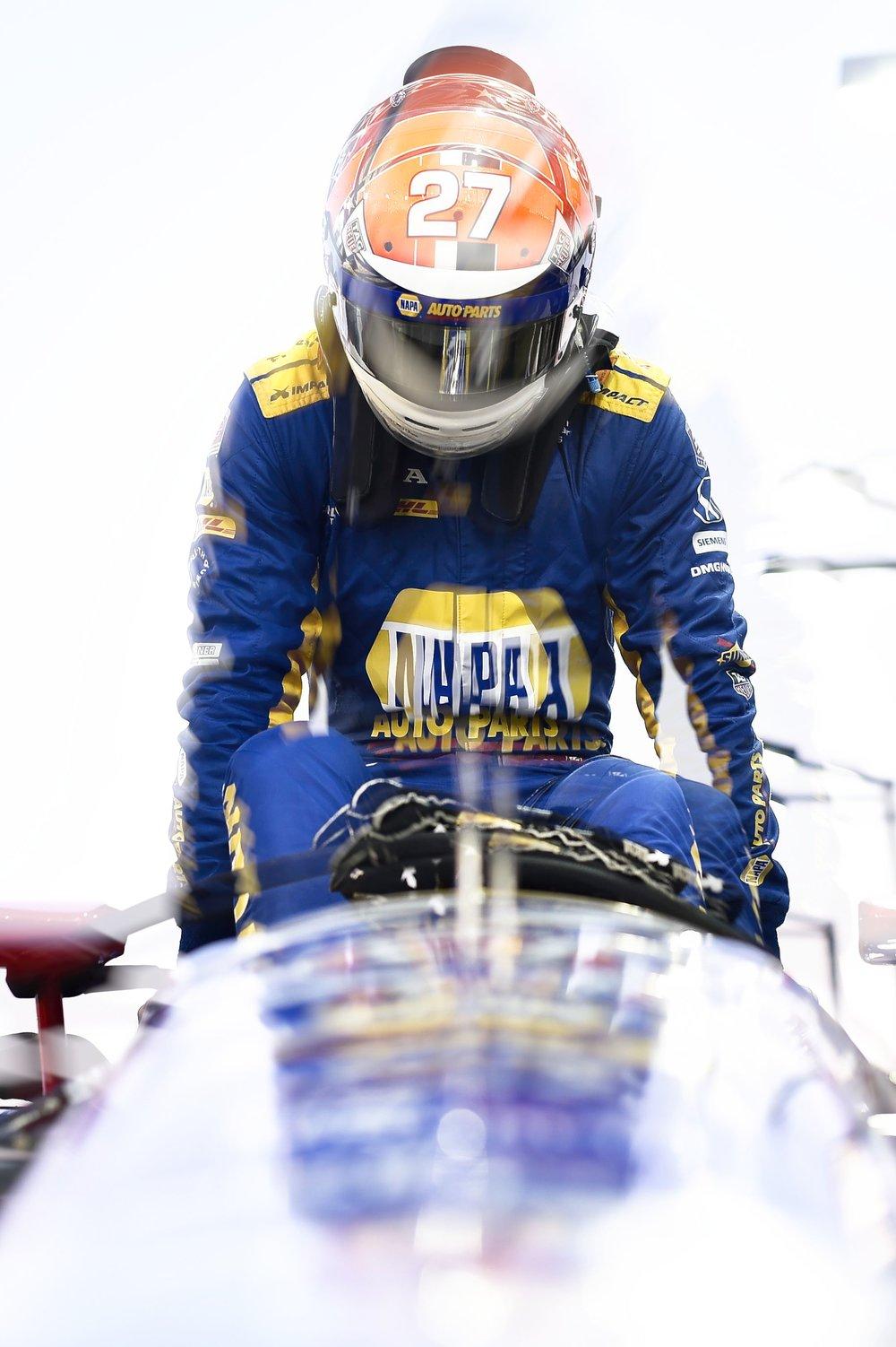 Rossi, loading in.