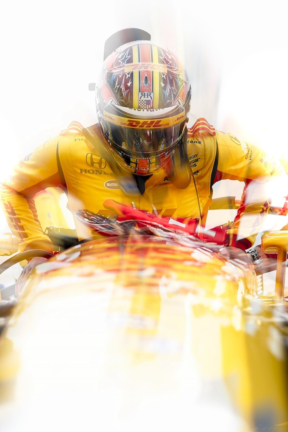 Ryan Hunter Reay - loading in.