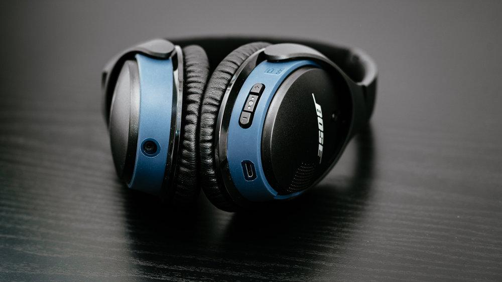 Bose SoundLink Around-Ear II - 01