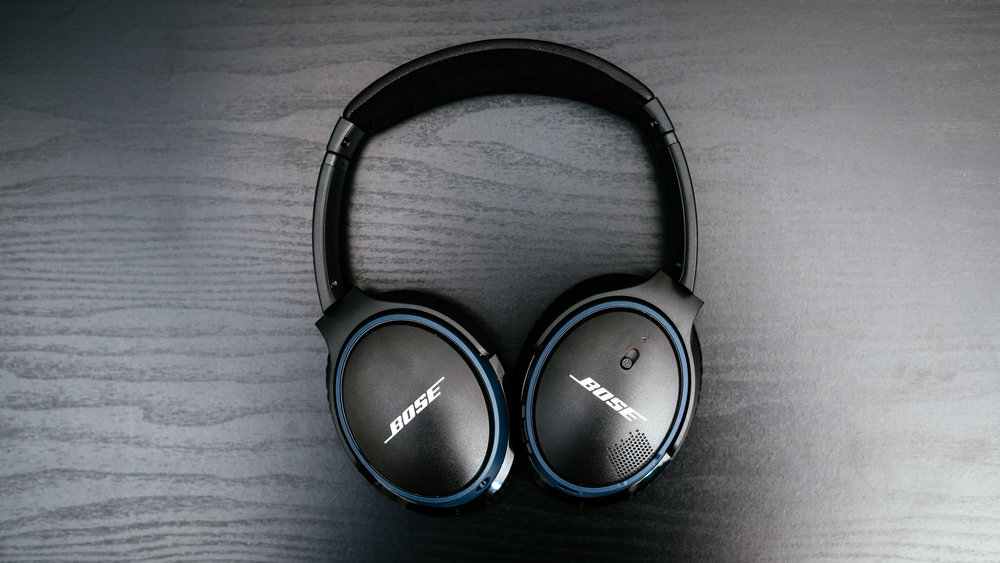 Bose SoundLink Around-Ear II - 02