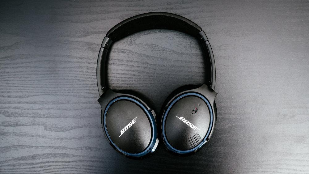 Bose SoundLink Around-Ear II - 02