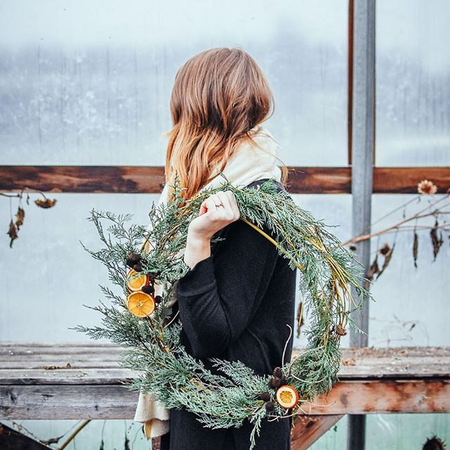 - wreath DIY - check out my stories for an easy wreath DIY! @kelsey_thefarmersdaughter and I spent time collecting materials from @willowviewfarms to make some fun and wild foraged wreaths, and we thought we'd share the process. If you miss it in my stories the tutorial is saved under DIY in my highlights. Enjoy! (ps let me know if you end up making one! I'd LOVE to see your creations) . . . . . . #grayacres  #christmaswreath #sustainablegardening #wastefreechristmas #mysimplechristmas  #thefraservalley  #fortlangley #willowviewfarms