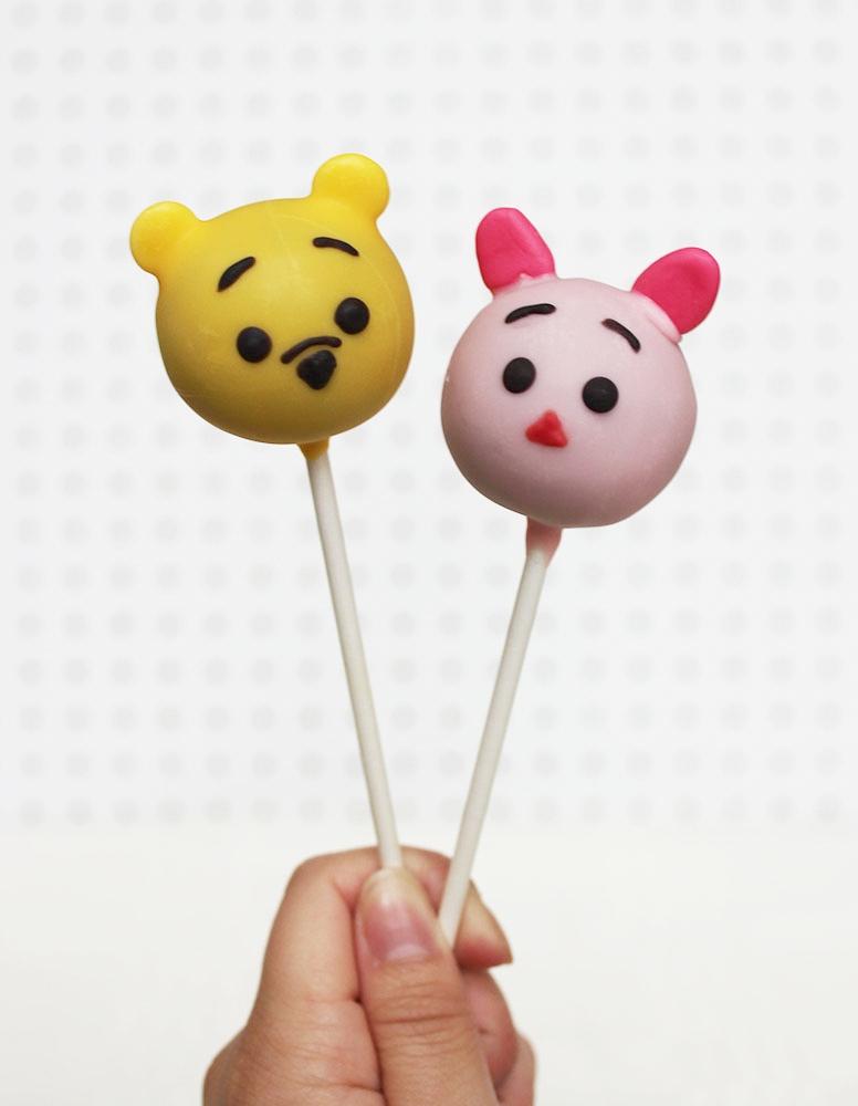 Winnie the Pooh & Piglett