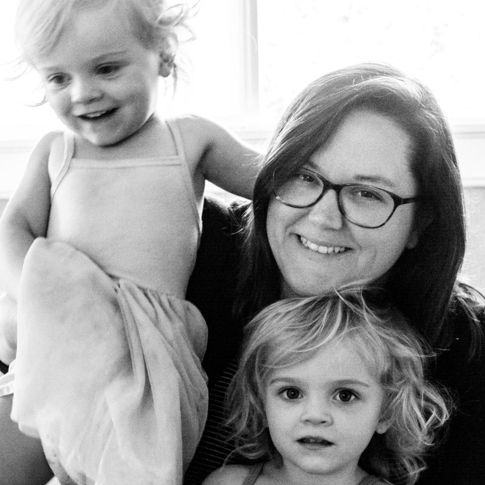 Welcome! - Megan here! I'm a photographer, graphic artist, sushi lover, and mom to twin girls. These are my musings.