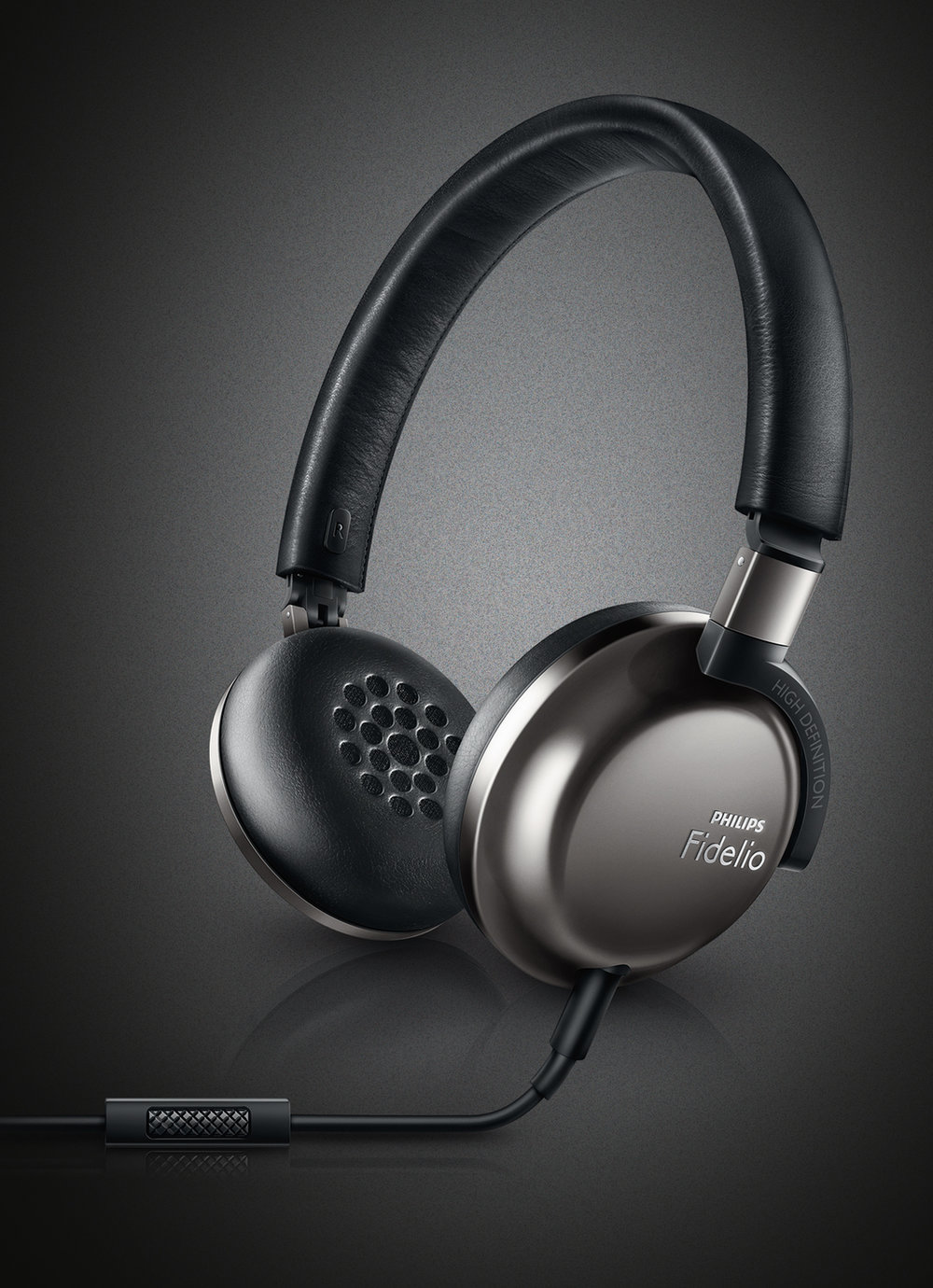 PHILIPS Fidelio F1 is a foldable and compact size headphones with premium material quality and incredible acoustic performance. Extreme comfort leather headband and memory foam ear cushion bring music entertainment to a new level.