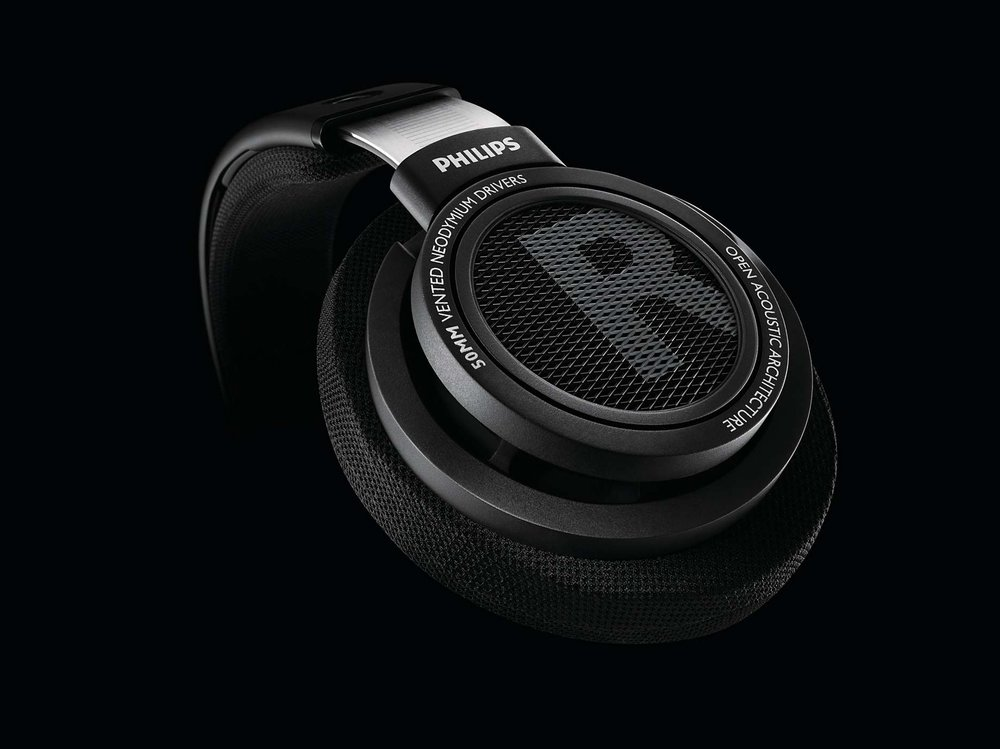 SHP9500 is a premium in-door headphones designed to meet Hi-Fi acoustic quality.