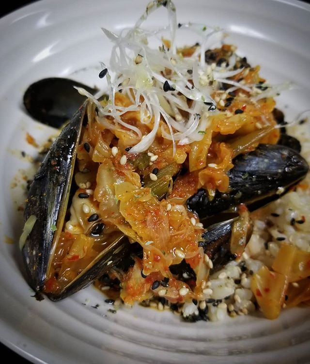 We don't like to brag, but check out our mussels 😉 . 💥SPECIAL ALERT💥 . P.E.I. Mussels/House Made Kimchi/Furikake/Kokuho Rose Rice . Get 'em before they're gone!