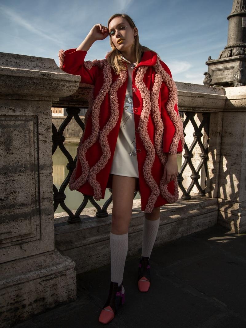 Melissa Pope @themelissarae Total look: Alessandra Caponera @alessandracaponera Shoes: Sara Pavani @sassipa