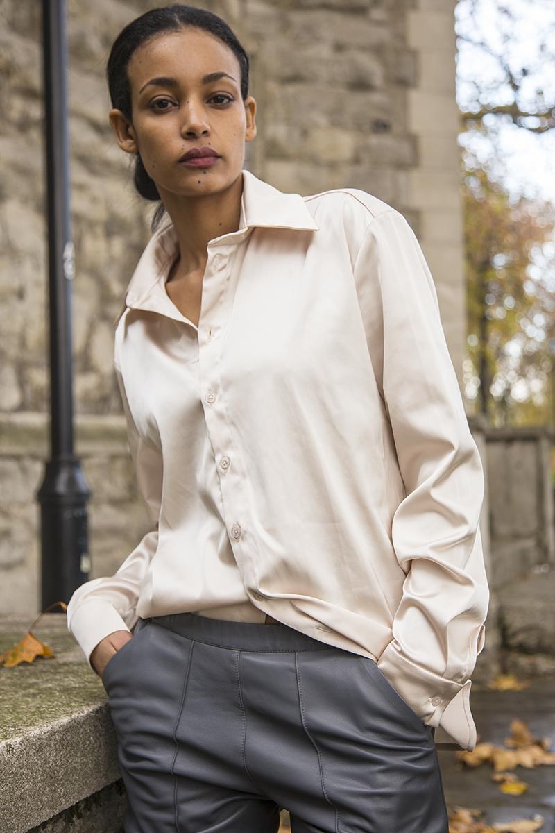 Shirt Aleksandra Seweryniak , rings Atelier  D'ornements  LEATHER TROUSERS:  FEMME ILLIMITÉ