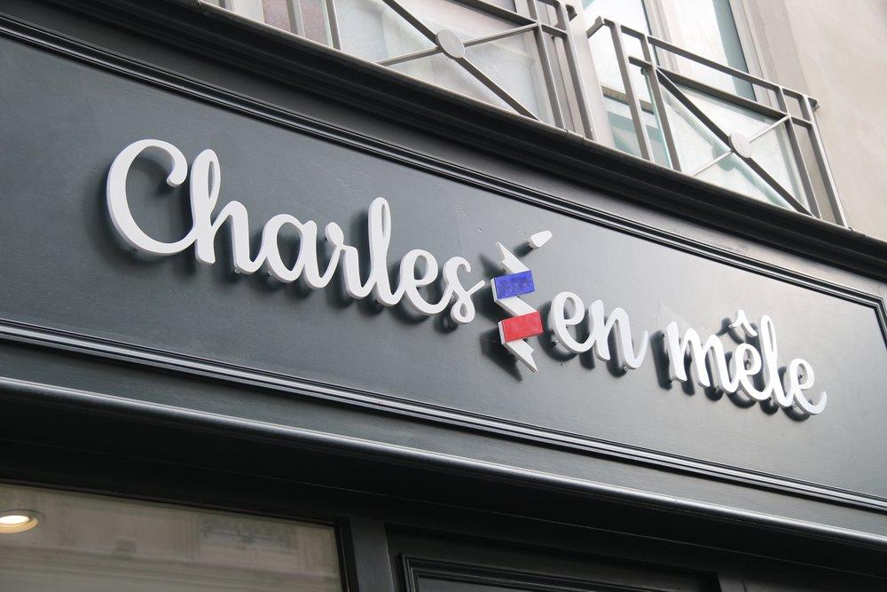 Signalétique pour le salon de coiffure Charles'en mêle