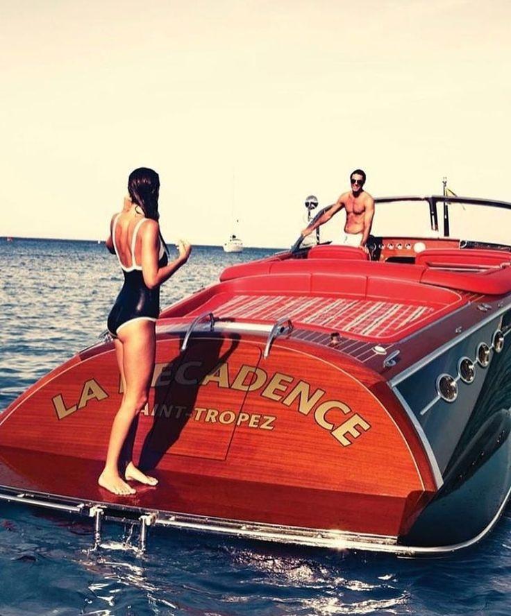 bf6a71f2731963aefe709089677b6698--riva-boat-fast-boats.jpg