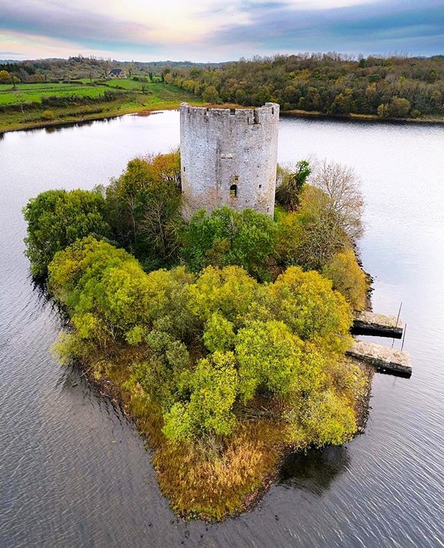 Cloughoughter Castle, co. Cavan. This was one of many locations we went to last week as part of work for Fáilte Ireland's 'Ireland's hidden heartlands' project. Getting to see more of Ireland like this  is definitely a major perk of our job 😊☘️ • • • • • • • • • • • • • • • • #dronephotography #dronestagram #dronepointofview #droneoftheday #travel #landscapephotography #ireland_gram #castles #historic #ireland #loveireland #inspireland_ #landscape_lovers #history #travelblogger #instapic #instadaily #irishpassion #travelholic #picoftheday #airvuz
