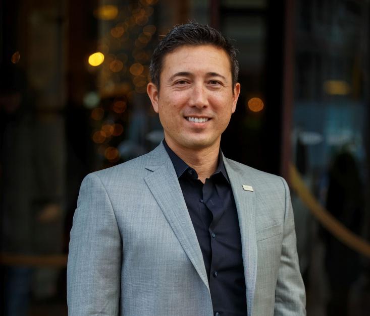 Andy Tryba - Andy Triba este CEO-ul Crossover, antreprenor în serie și manager executiv cu peste 15 ani de experiență în tehnologie și inovație, atât în cadrul unor companii din top Fortune 500, dar și în calitate de consultant pe talent în inginerie la Casa Albă sau Director de Strategie la Intel Corp.