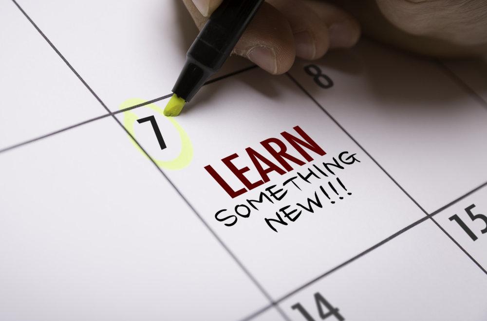 - Micro-learning, just-in-time-learningși employee experience with engaging contentvor deveni noile mantre ale profesorilor din organizații, ale mentorilor și coach-ilor interni.