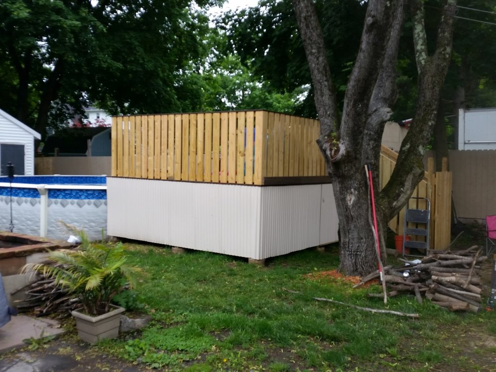 Calhoun Pool Deck  (6).jpg