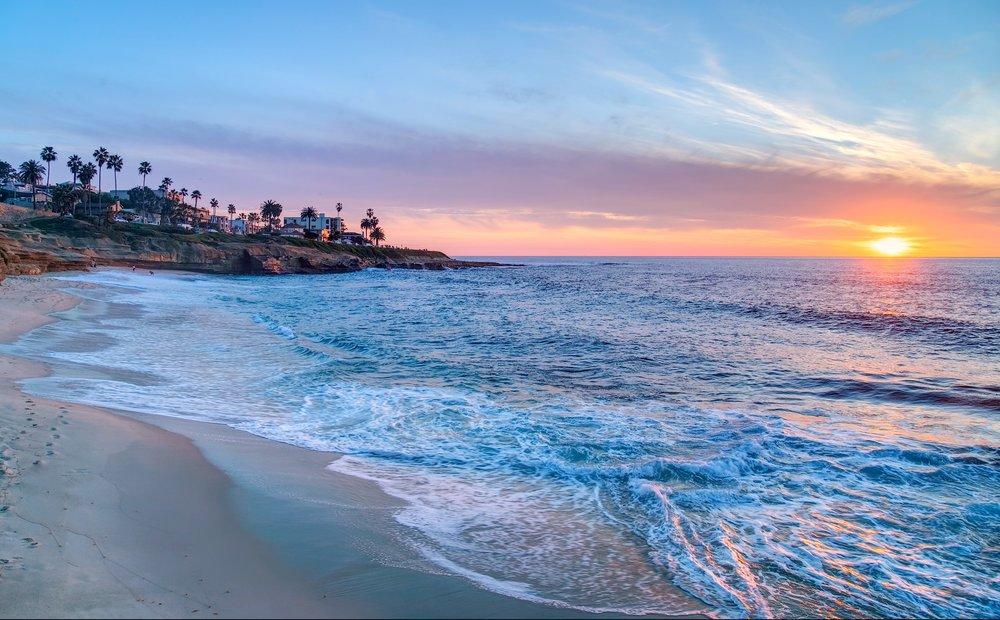 bigs-Sunset-at-Wipeout-Beach-La-Jolla-California-e1482282928458.jpg