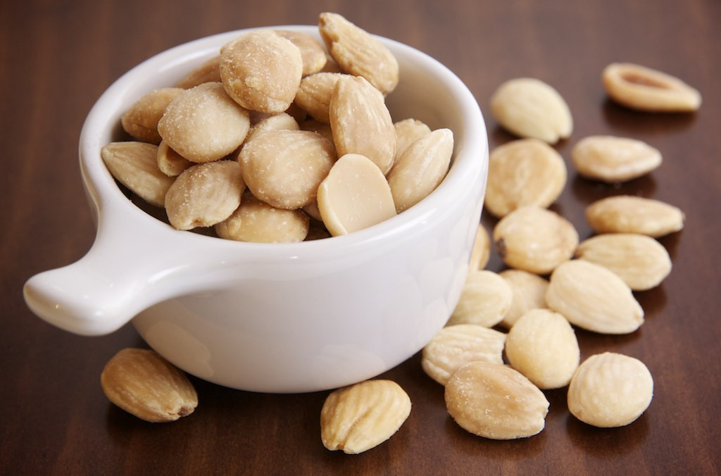 Almonds are among the most healthy high protein foods