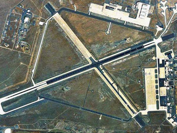 MOSES LAKE airport22450.jpg