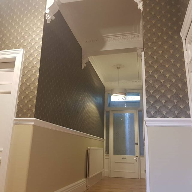 Cracking job recently completed in the west end of Glasgow today.  Walls finished with wallpaper and  ceiling, dado finished in flat Matt emulsion, With a nice satin finish on the wood.  All completed with @grahamandbrown products.  We are taking bookings for next year so for a free estimate call us on 07977748877 or visit our website at www.precisiondecor.co.uk  #recentwork #precisiondecor #westend #decor #decorating #painting #spraying #sprayfinish #reliable #superiorfinish