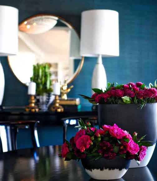 DECOR.darkdiningroomflowers.HRLM.InteriorDesigner..homegoods.heirloomdecor.newportbeach.interiordesign.jpg