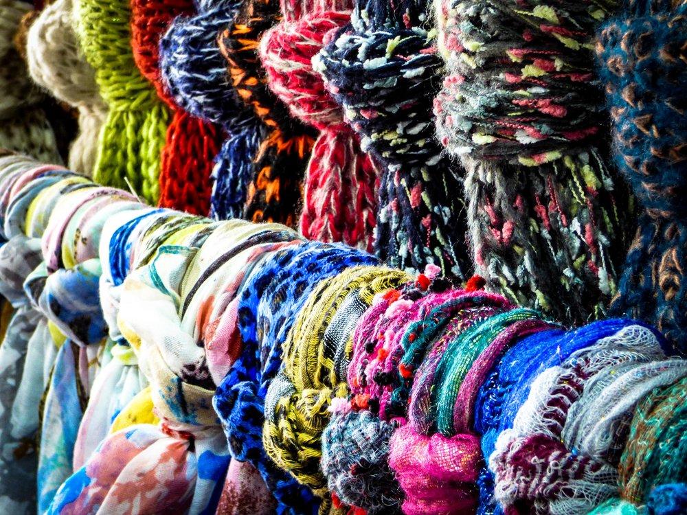 scarf-1829174_1920.jpg