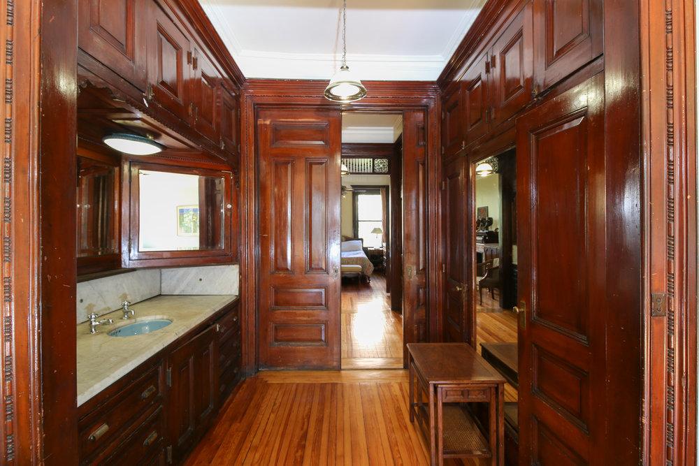 Second floor second sink'.jpg
