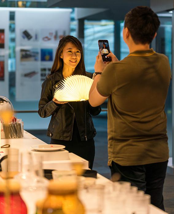 好设计亦能成为送礼佳品 - 来自世界各地的众多设计事物, 有许多独特的物件只能在新加坡看到。